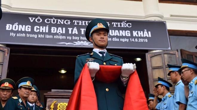 Hinh anh xuc dong trong dam tang phi cong Tran Quang Khai hinh anh 12