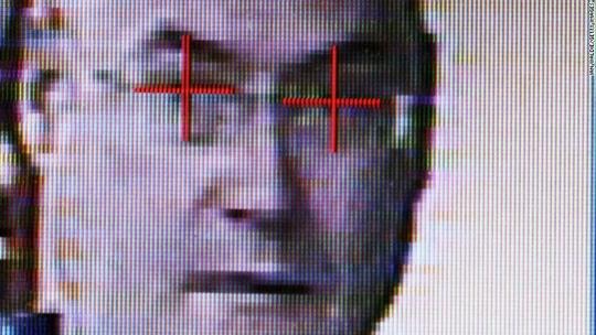 Chương trình nhận dạng khuôn mặt của FBI có thể tìm kiếm hơn 411,9 triệu hình ảnh khuôn mặt Ảnh: CNN