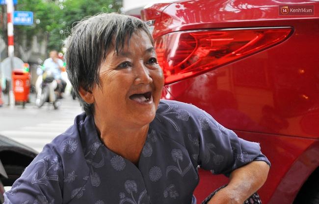 Mỗi ngày, bà cụ 66 tuổi lại lặn lội 20km lên Sài Gòn bán dạo gốm sứ nuôi con cháu... - Ảnh 7.