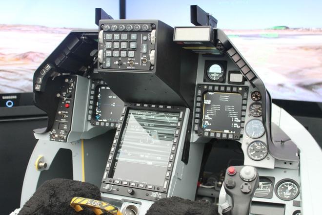 Mỹ sẽ bán cho Việt Nam phiên bản F-16 tiên tiến nhất thế giới? - Ảnh 3.