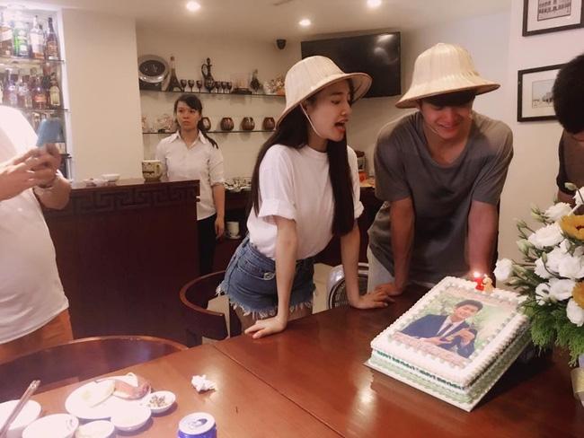 Fan phản ứng trái chiều khi Nhã Phương hào hứng chúc mừng sinh nhật Kang Tae Oh - Ảnh 1.