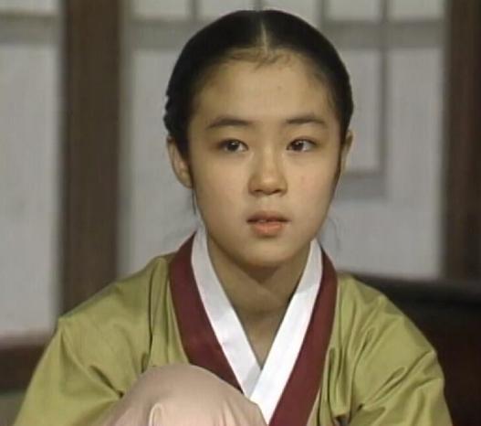 Nữ diễn viên đóng phim nóng vì phải gánh nợ cho cha - Ảnh 3.