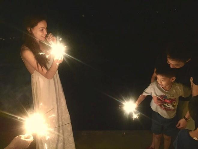 Ho Ngoc Ha - Cuong Do La hoi ngo trong sinh nhat con trai hinh anh 2