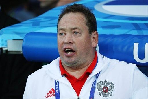 HLV Leonid Slutsky chính thức từ chức ở đội tuyển Nga