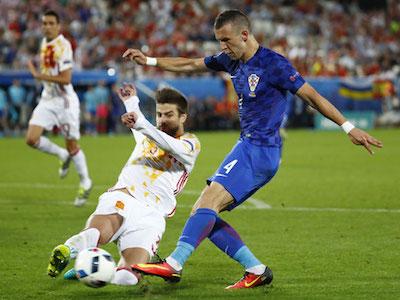 Tây Ban Nha thua Croatia, đụng Italy ở vòng 1/8