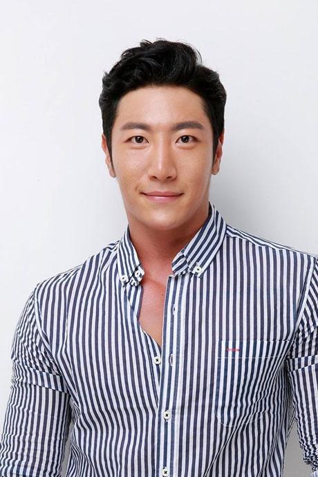 Thí sinh Sang-Jin Lee