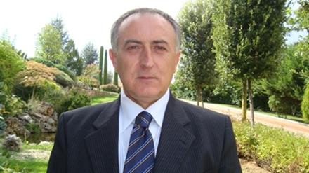 Ông Francesco Garofalo - thị trường San Sossio Baronia. Ảnh: Independent