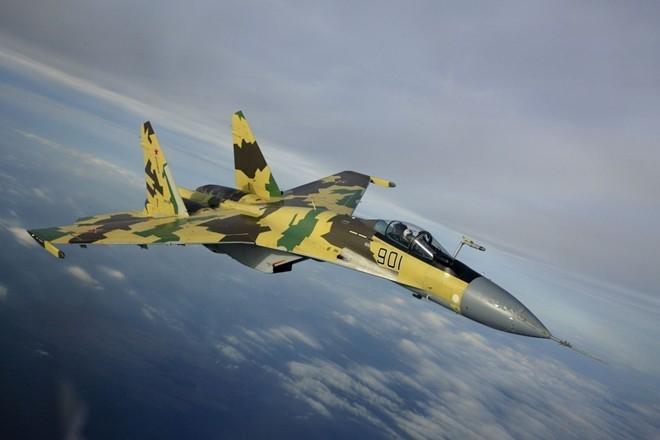 So sanh suc manh chien dau cua F-15 va Su-35 hinh anh 2