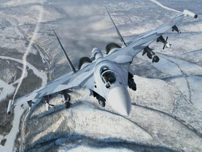 So sanh suc manh chien dau cua F-15 va Su-35 hinh anh 3