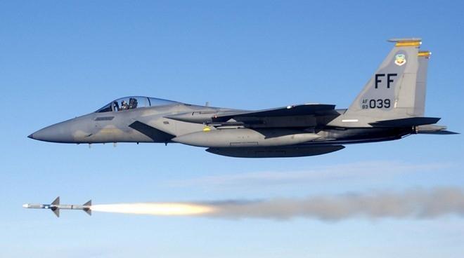 So sanh suc manh chien dau cua F-15 va Su-35 hinh anh 9