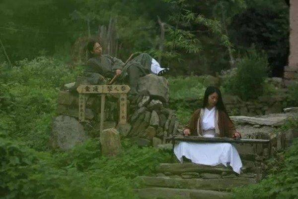 cap vo chong len nui an cu, song nhu trong phim kiem hiep hinh anh 5