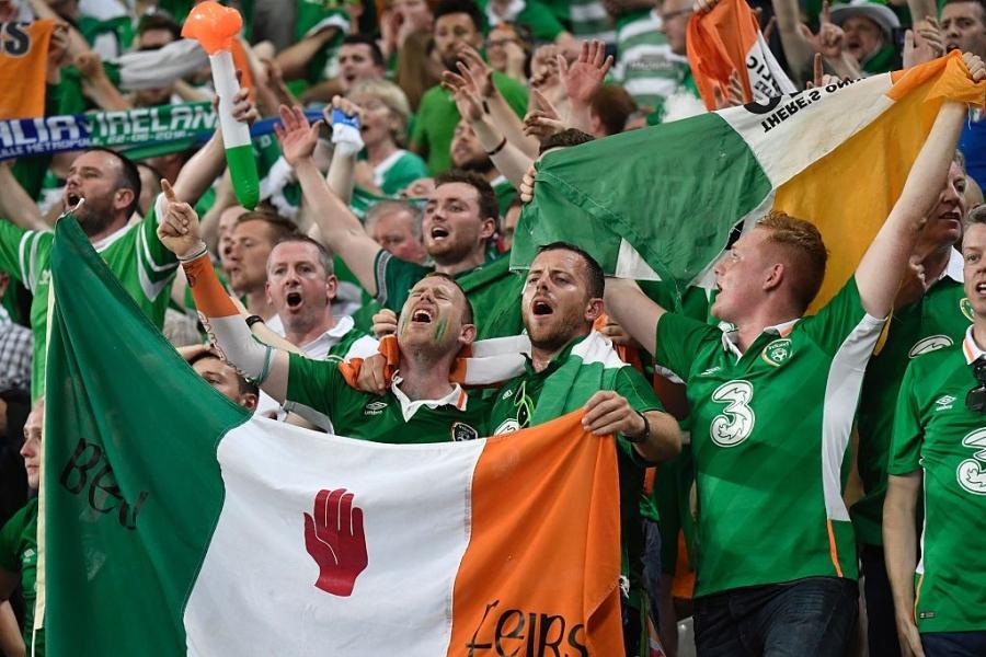 CDV tran nuoc mat khi CH Ireland danh bai Italy hinh anh 7