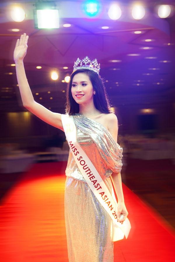 Hoa hậu Thu Vũ: Người Philippines không phải sinh ra là nói tiếng Anh - Ảnh 2.