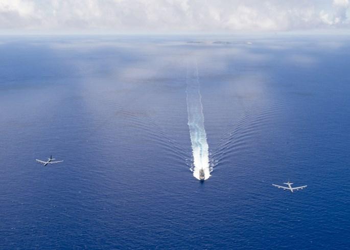 Mỹ biểu dương lực lượng quân sự hùng hậu trên Biển Đông - ảnh 3