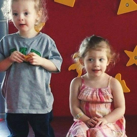 Hai bé sinh đôi Oliver và Aria Orr. Ảnh: Daily Mail