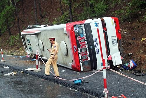 Xe Lê Mỹ được cho đã mất thắng dẫn đến vụ tai nạn thảm khốc trên đèo Prenn sáng 19/6. Ảnh: Quốc Dũng