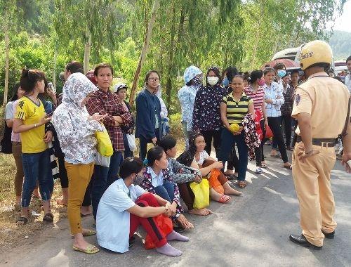 Phòng trọ trống, dân... chặn xe: UBND tỉnh Nghệ An chỉ đạo xử lý - Ảnh 1