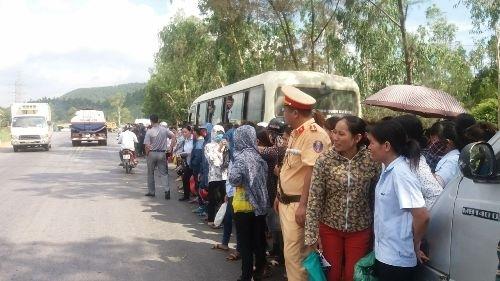 Phòng trọ trống, dân... chặn xe: UBND tỉnh Nghệ An chỉ đạo xử lý - Ảnh 3
