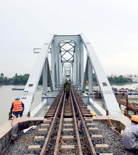 Cầu Ghềnh đã hoàn thành vượt tiến độ 20 ngày so với kế hoạch