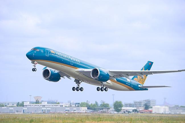 Hiện tượng máy bay bị chiếu đèn laser xảy ra nhiều nhất ở sân bay Nội Bài và Tân Sơn Nhất