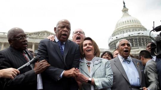Biểu tình ngồi ở Hạ viện đã chính thức kết thúc sau hơn 24 tiếng. Ảnh: ABC News