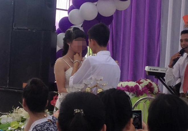 Xử phạt đám cưới của cặp cô dâu chú rể học lớp 10 - Ảnh 1.