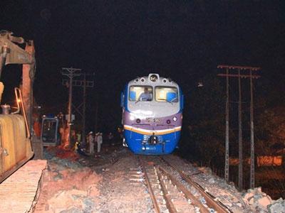 Cầu Ghềnh hoàn thành, đường sắt Bắc Nam thông suốt
