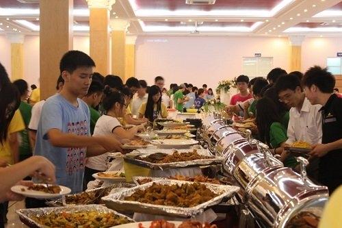 ăn tự chọn, ăn buffet, dimsum, nhà hàng dimsum, ăn buffet dimsum, ăn buffet lãng phí, thói xấu khi ăn buffet của người việt