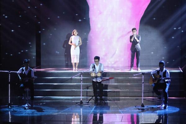 Nhóm Dolphins thể hiện bản pop ballad 'Cái ôm mơ màng' do nhóm sáng tác. Hồ Quỳnh Hương khen nhóm hát tốt, tiết chế được nốt cao, gây bất ngờ cho khán giả với bài hát rất hay này.