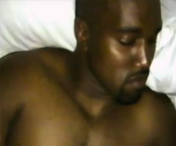 Những ai đã xuất hiện trong MV trần như nhộng gây rúng động showbiz của Kanye? - Ảnh 3.