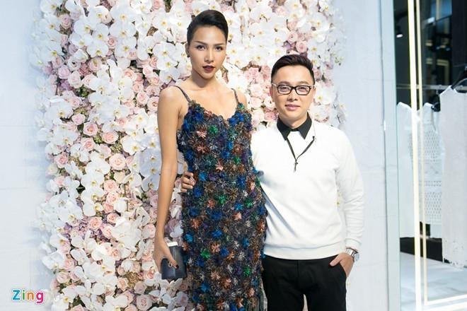 Toc Tien, Angela Phuong Trinh noi bat o su kien hinh anh 14