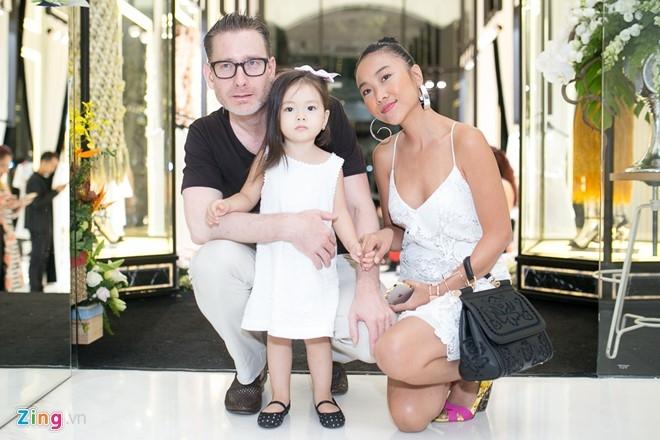 Toc Tien, Angela Phuong Trinh noi bat o su kien hinh anh 15