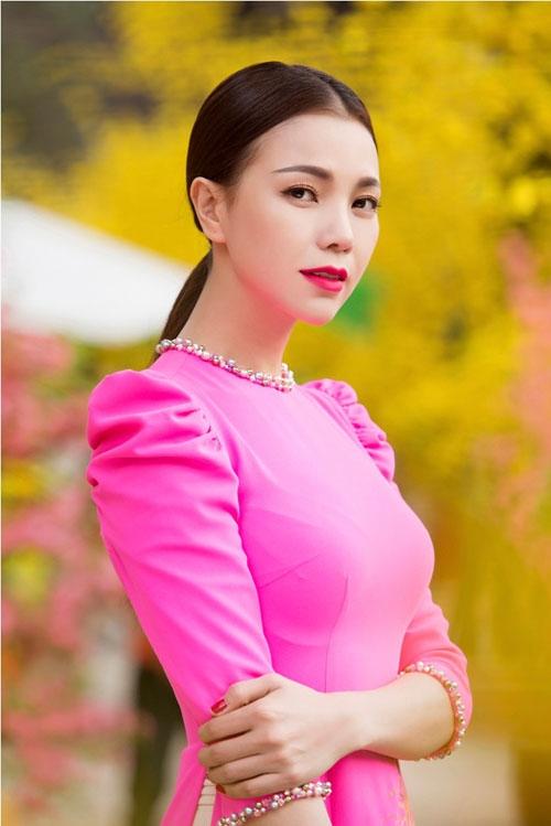 Trà Ngọc Hằng cũng chia tay vì bạn trai hay ghen.