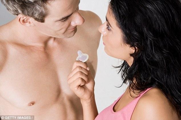 """Đàn ông không thích dùng bao cao su khi """"yêu"""" phụ nữ đẹp"""