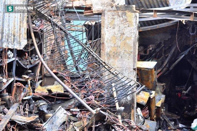 Hiện trường vụ hỏa hoạn khiến 4 người trong gia đình thiệt mạng - Ảnh 5.