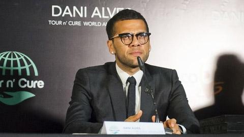 Juventus hoàn tất vụ chuyển nhượng Dani Alves