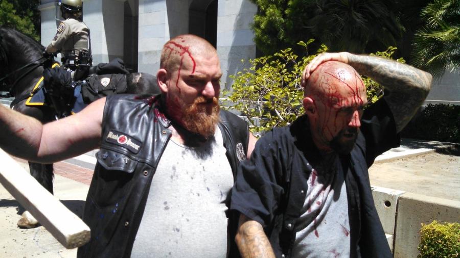 Cuộc biểu tình kết thúc trong máu me và hỗn loạn. Ảnh: Dave Id