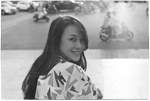 my-tam-chup-anh-den-trang-kieu-thap-nien-1980-7