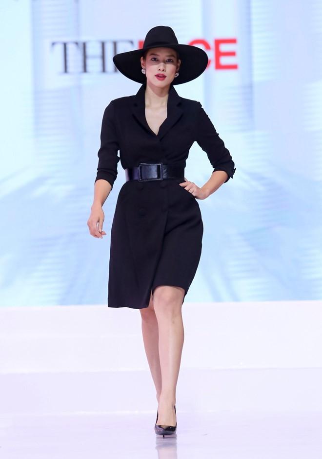 Vi sao Ha Ho che Pham Huong thieu kinh nghiem day catwalk? hinh anh 2