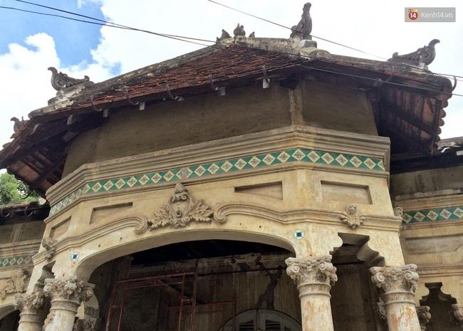 Biệt thự cổ hơn 100 năm tuổi ở Sài Gòn bị đập bỏ khiến nhiều người tiếc nuối - Ảnh 1.