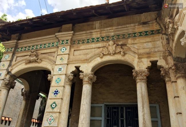 Biệt thự cổ hơn 100 năm tuổi ở Sài Gòn bị đập bỏ khiến nhiều người tiếc nuối - Ảnh 3.