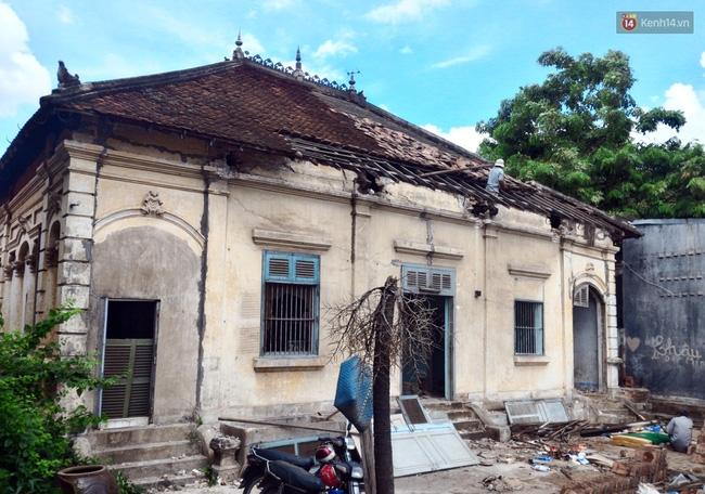 Biệt thự cổ hơn 100 năm tuổi ở Sài Gòn bị đập bỏ khiến nhiều người tiếc nuối - Ảnh 5.