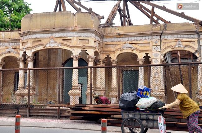 Biệt thự cổ hơn 100 năm tuổi ở Sài Gòn bị đập bỏ khiến nhiều người tiếc nuối - Ảnh 10.