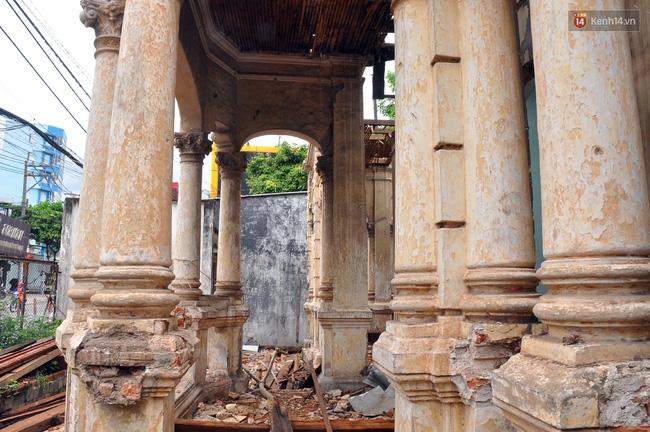 Biệt thự cổ hơn 100 năm tuổi ở Sài Gòn bị đập bỏ khiến nhiều người tiếc nuối - Ảnh 12.