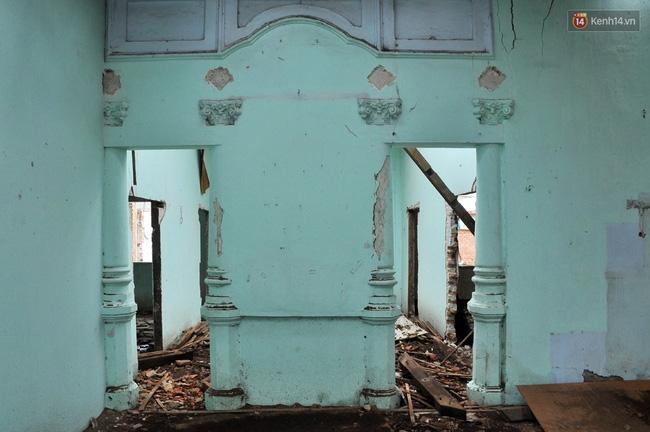 Biệt thự cổ hơn 100 năm tuổi ở Sài Gòn bị đập bỏ khiến nhiều người tiếc nuối - Ảnh 14.