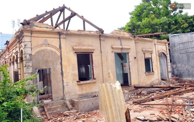 Biệt thự cổ hơn 100 năm tuổi ở Sài Gòn bị đập bỏ khiến nhiều người tiếc nuối - Ảnh 16.