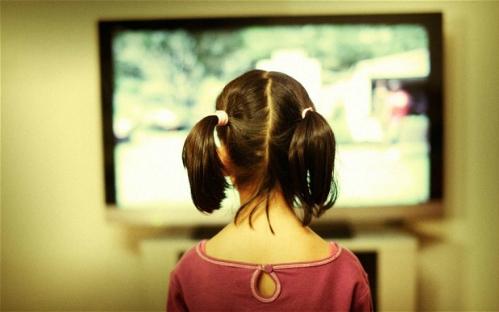 chuong-trinh-tv-va-video-the-nao-thi-hop-voi-tre-nho