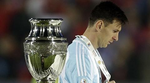 """""""Mexit"""" sẽ ảnh hưởng thế nào đến đội tuyển Argentina?"""