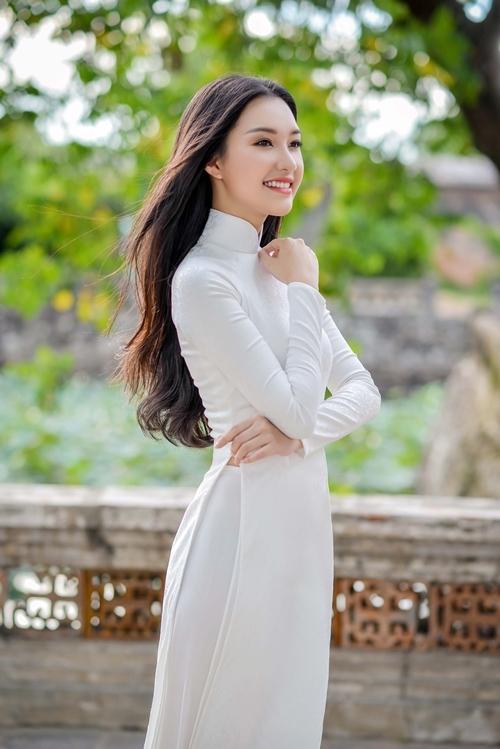 Nhan sắc Hoa khôi Huế vào chung kết Hoa hậu Việt Nam
