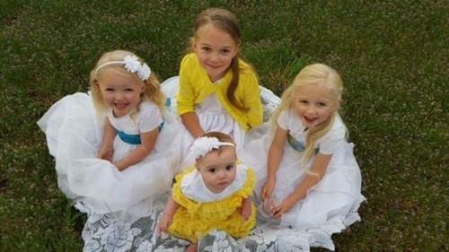 Tàu hoả đâm ô tô, 5 người trong 1 gia đình chết thảm - ảnh 1